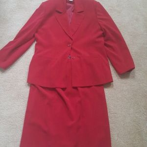 Worthington size 18 red two-piece suit with skirt